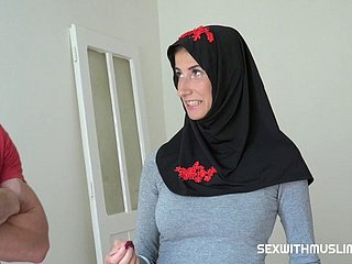 Muslim Milf Wants To Populate Prague